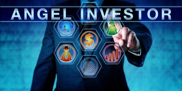 entrepreneur-pushing-angel-investor