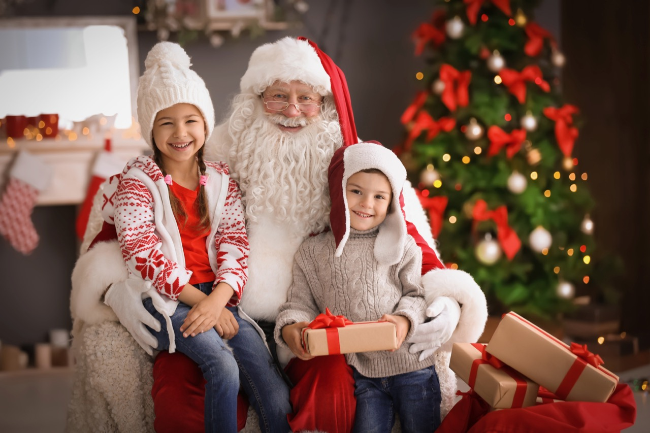 little-children-and-authentic-santa-claus-indoors