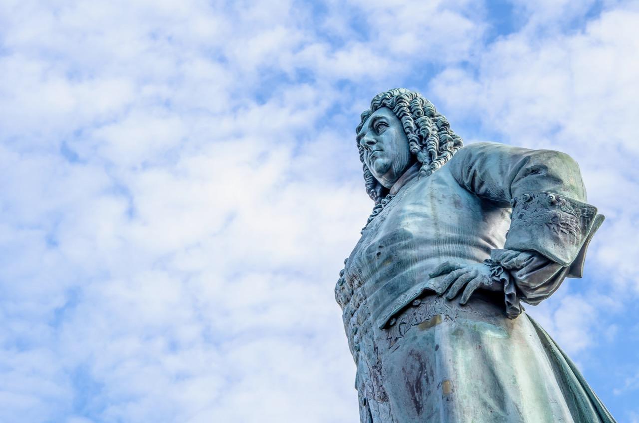 georg-friedrich-handel-statue-in-halle-saale