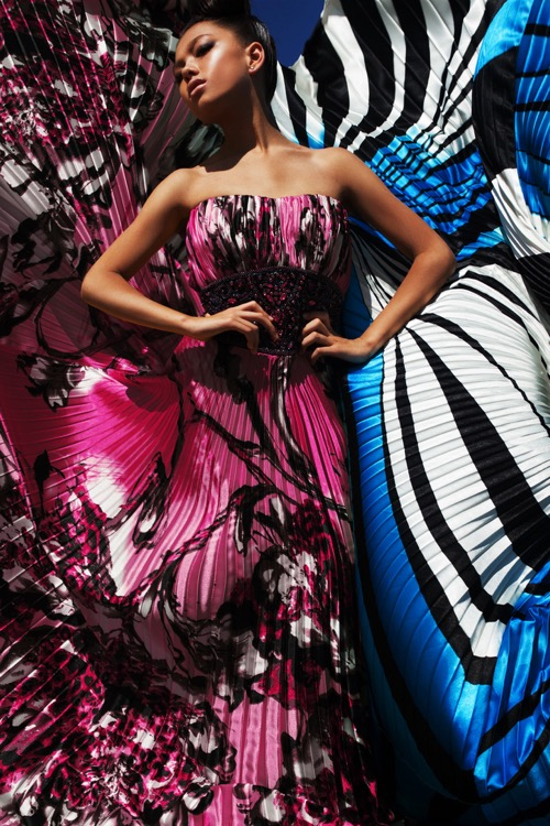 mighty-colors.-colorful-fashion-model-in-beauty-dress